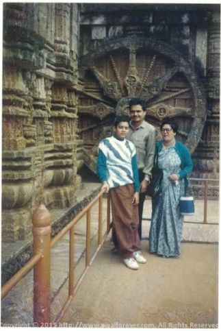 At Konarak Temple (Puri) with Ma and Baba... Quite a classic
