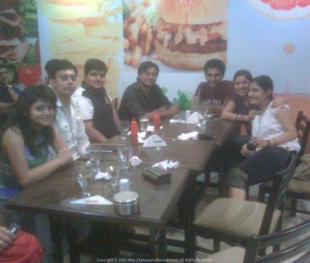 At one of our favorite hangouts in Chennai Besant Nagar Beach - Tasty Jones...