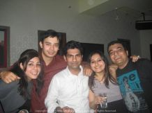 At the Dancing Elephant Pub, Delhi with Sugandh, Puneet, Shubhi and her Ashiq