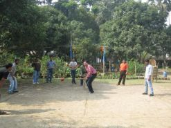 Cricket at Office Picnic… A friend of mine (Sagar) commented that the fielders seemed pretty chilled out and didn't have much confidence in my batting