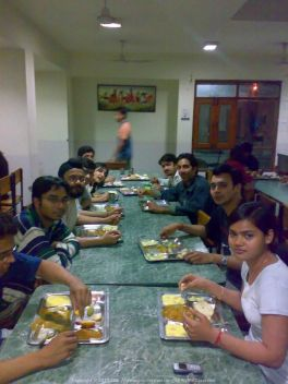 Dinner at IMT Ghaziabad Mess with a bunch of highly interesting batch-mates...
