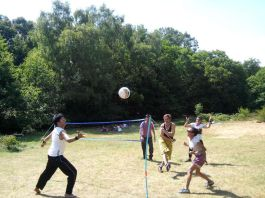 One versus All Smashing some volleyball during a picnic @ Epping Forest, London