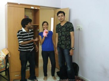 Sharing a joke (probably the t-shirt ;) ) with Tanu and Tatha in Bangalore